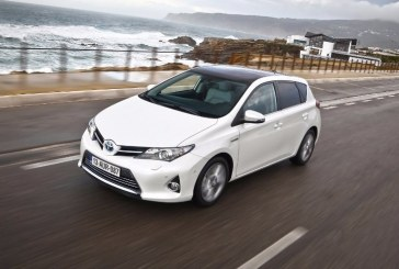 Toyota Auris Hybrid 2016