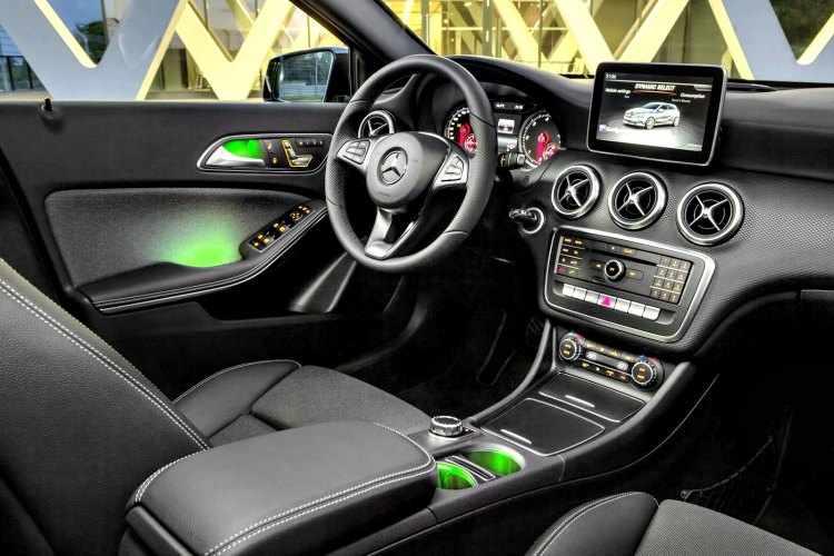 Nuevo mercedes benz clase a 200 precios y caracteristicas for Interior mercedes clase a