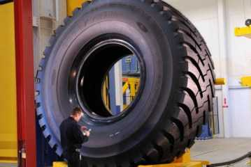 RM-4A+, el neumático más grande de Goodyear