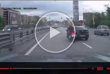 La importancia de señalizar las maniobras al volante