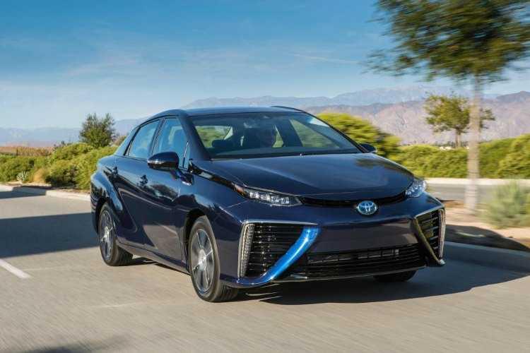 Toyota Mirai, el sedán de pila de combustible