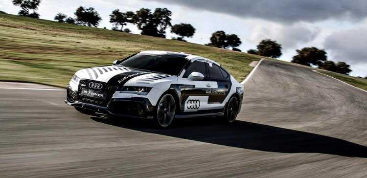 El AUDI RS 7 Piloted Driving mantiene el ritmo en el circuito de ASCARI2