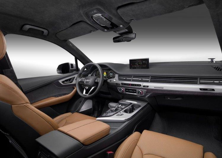 Audi Q7 E-Tron 3.0 TDI Quattro Interior