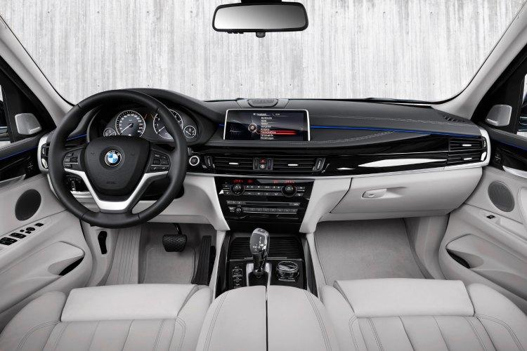 BMW X5 xDrive40e interior