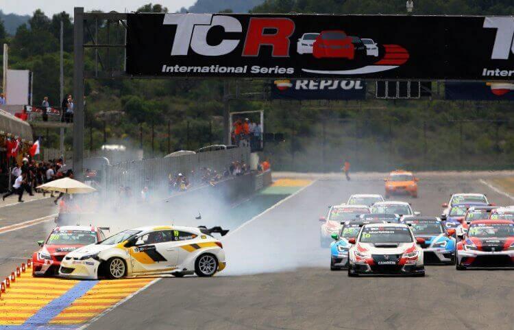Accidente TCR Series en Valencia