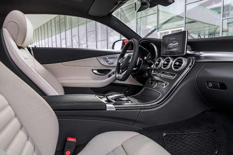 Interior del Mercedes-Benz Clase C coupé