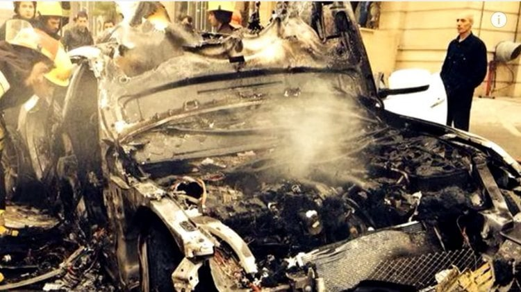 El Maserati Quattroporte esta incendiando el motor