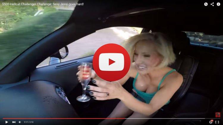 Jessi retada por un Dodge Challenger