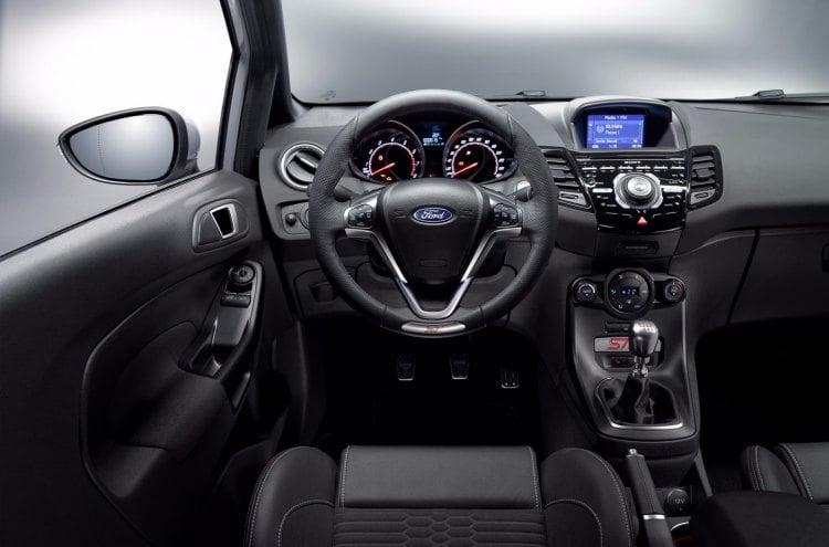 Ford Fiesta ST200, algunas mejoras respecto al ST pero sin llegara ser un RS