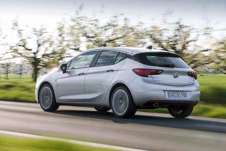 Precio Opel Astra Biturbo 2016
