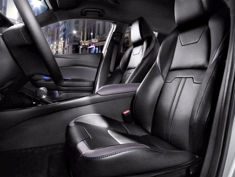 Toyota C-HR 2017, después de mostrar el exterior llega el momento de ver el interior