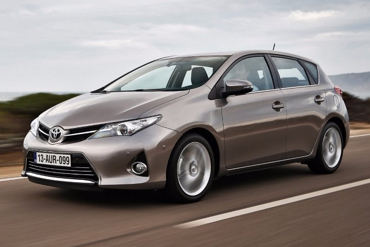 toyota auris hybrid 2016 precio y novedades. Black Bedroom Furniture Sets. Home Design Ideas