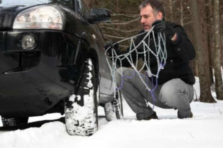 En que ruedas se ponen las cadenas de nieve en el coche