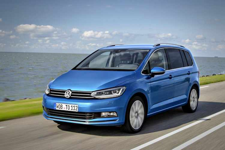 prueba volkswagen touran 2018 un monovolumen familiar cl sico. Black Bedroom Furniture Sets. Home Design Ideas