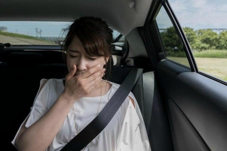 Consejos para evitar el mareo en coche