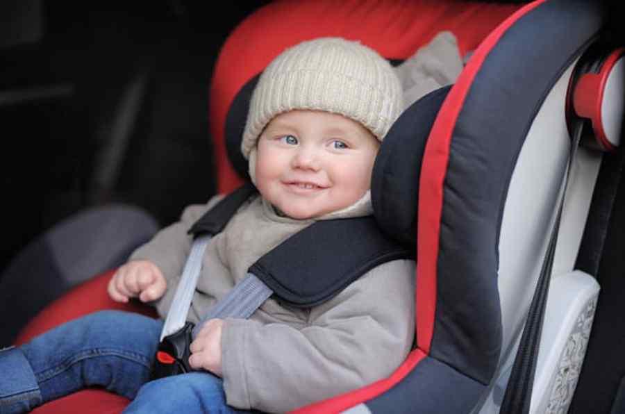 5 errores comunes al usar las sillas de retención infantiles en el coche